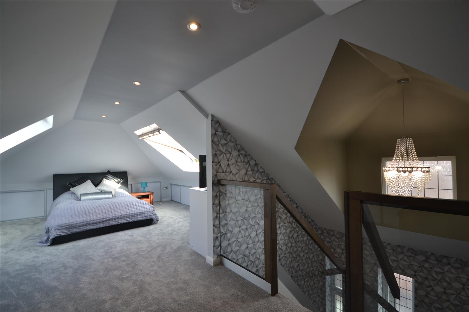 BED 2 ALT 1.jpg